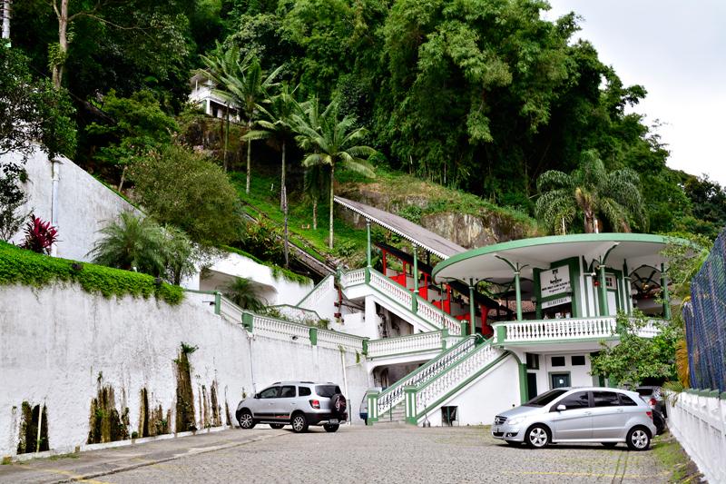 Entrada do funicular do Montserrat em Santos