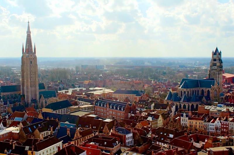 A Onze-Lieve-Vrouwekerk e a Sint-Salvatorskathedraal Dicas de Viagem para Bruges