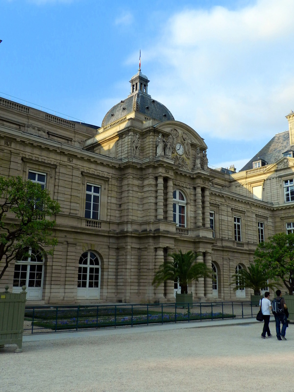 3-marais-palais-luxembourg-01
