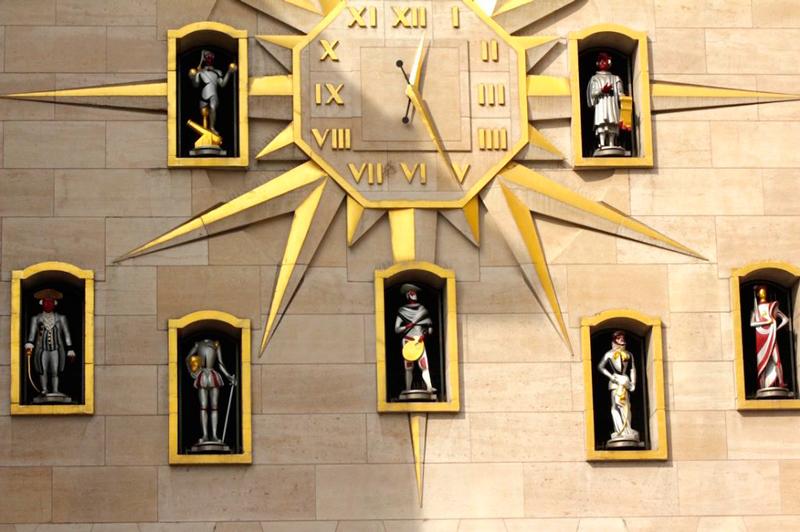 Relógio de Jacquemart ou Carillon du Mont des Arts em Bruxelas na Bélgica