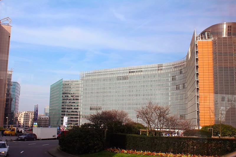 Prédio da União Europeia Dicas de Viagem para quem tem pouco tempo em BRUXELAS