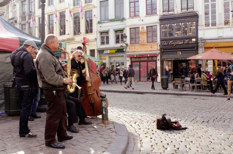 Música em rua de Bruxelas Dicas de Viagem para quem tem pouco tempo em BRUXELAS