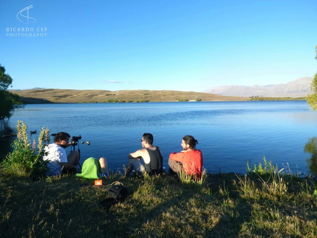 Ricardo e seus amigos no lago Tekapo