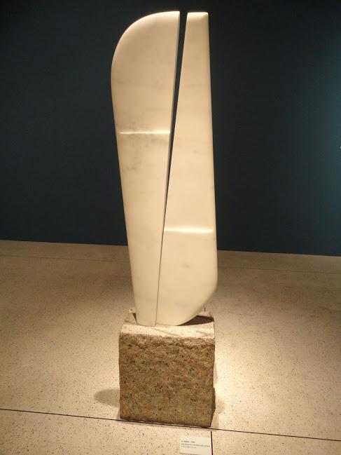 Escultura em mármore do acervo do museu