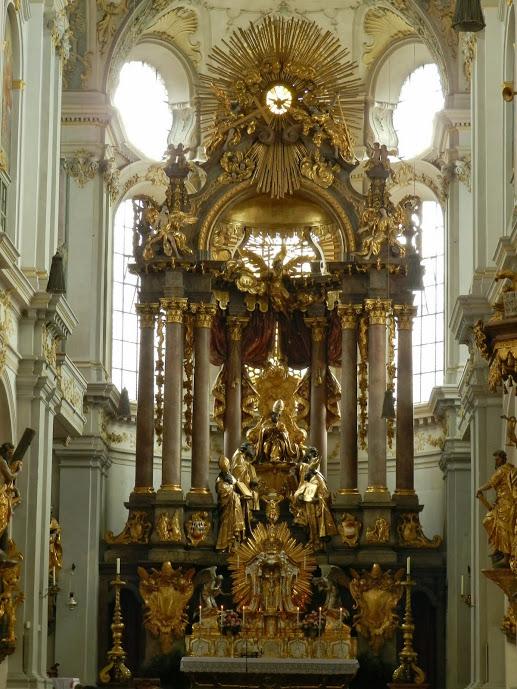 Altar  da Sainkt Peter Dicas de Viagem à MUNIQUE