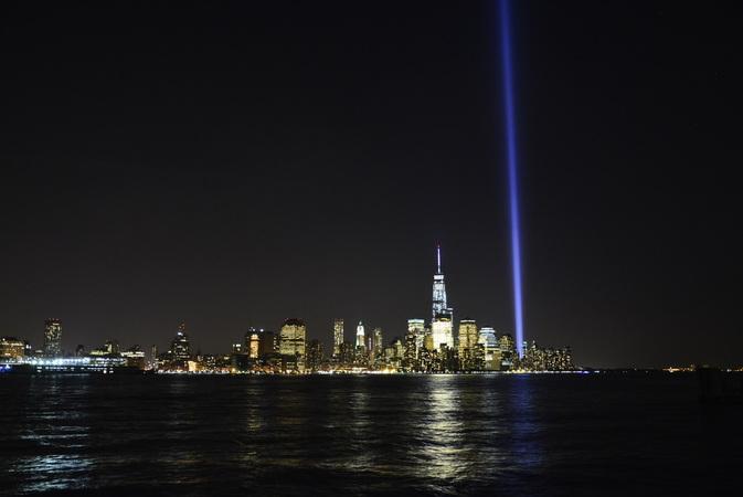 Luzes do dia 11 de Setembro visto de Hobboken em New Jersey
