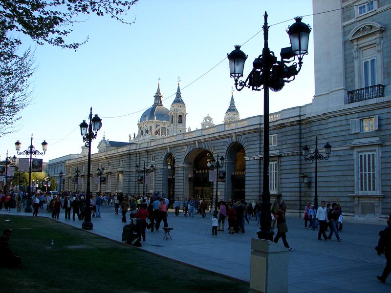 Catedral ao fundo e o Palácio Real