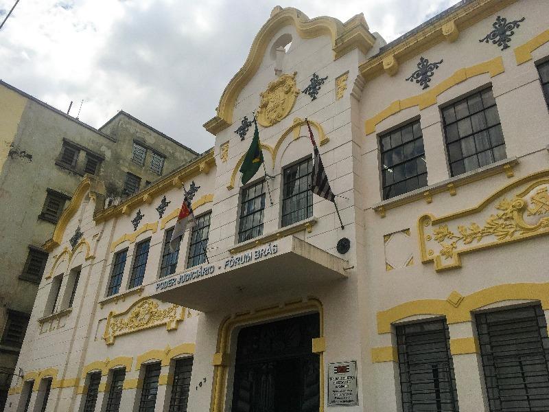 O antigo prédio do Liceu de Artes e Ofícios no Passeio pelo BRÁS em São Paulo