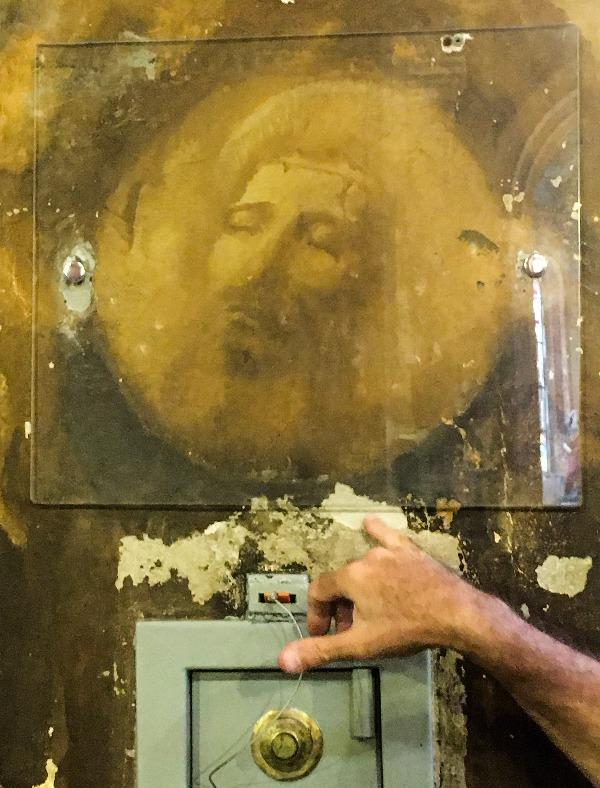 Imagem que surgiu em um dos pilares da Paroquia Bom Jesus do Brás no Passeio pelo BRÁS em São Paulo