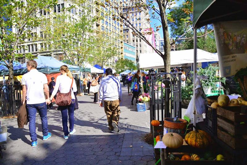 Dia de feira na Union Square em New York