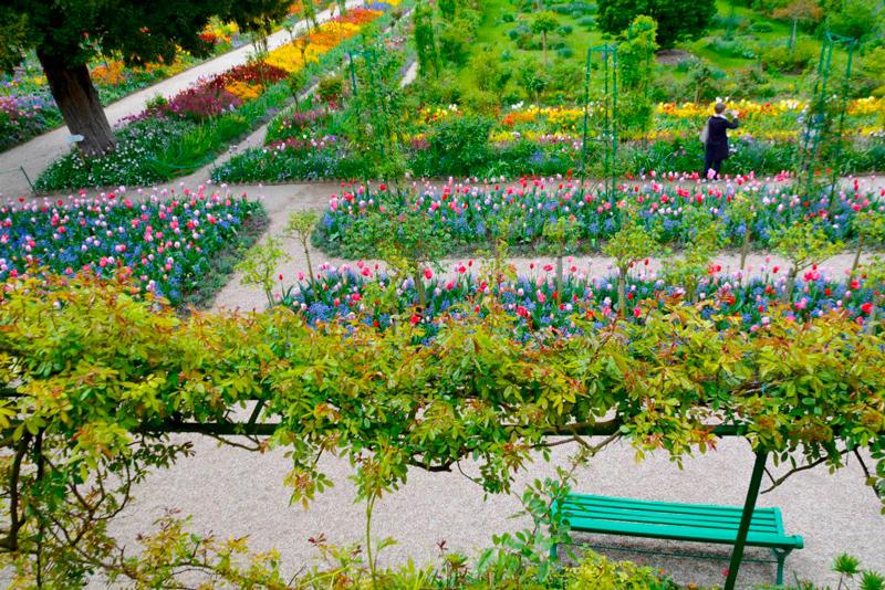 Começo de Primavera nos Jardins e Casa de Claude Monet ou Fondation Claude Monet em Giverny na França