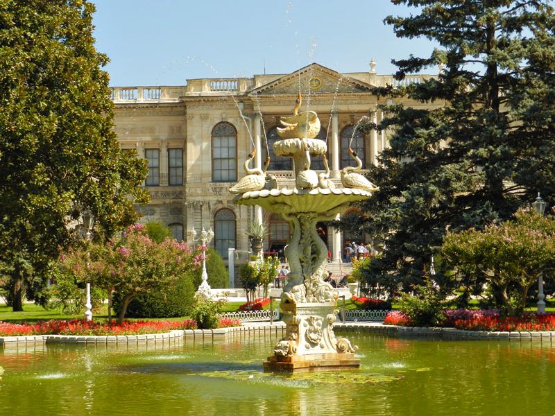 Palácio Dolmabahçe Sarayı em Istambul na Turquia
