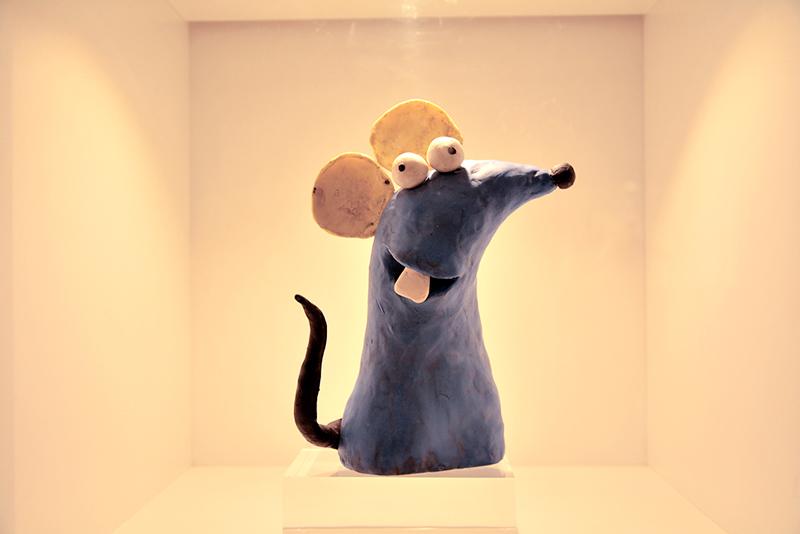 o ratinho de O Castelo Rá Tim Bum no Memorial da América Latina