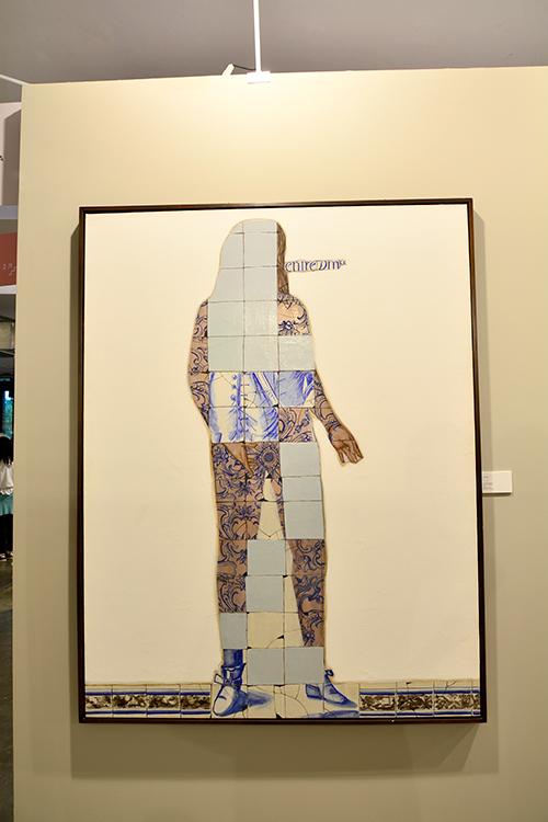 Adriana Varejão na SP-Arte 2017 no Pavilhão da Bienal em São Paulo, Brasil