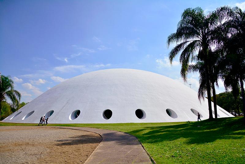 Fachada da Oca do Parque do Ibirapuera, São Paulo, Brasil