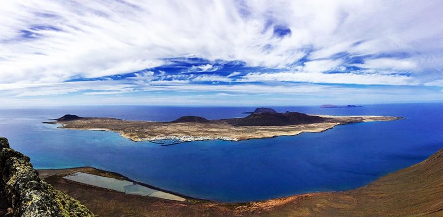 Ilha de la Graciosa vista a partir do Mirador del Río, Lanzarote, Esoanha, Ilhas Canarias