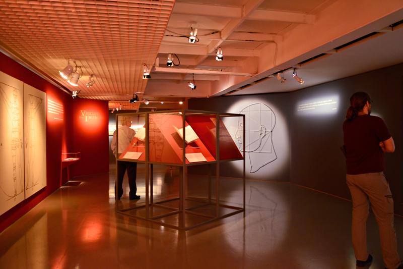 Exposição sobre Raffaello Sanzio em exposição no Centro Cultural FIESP Avenida Paulista em São Paulo