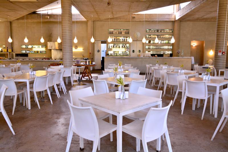 Restaurante Oiticica na rota rosa do instituto inhotim em brumadinho minas gerais brasi