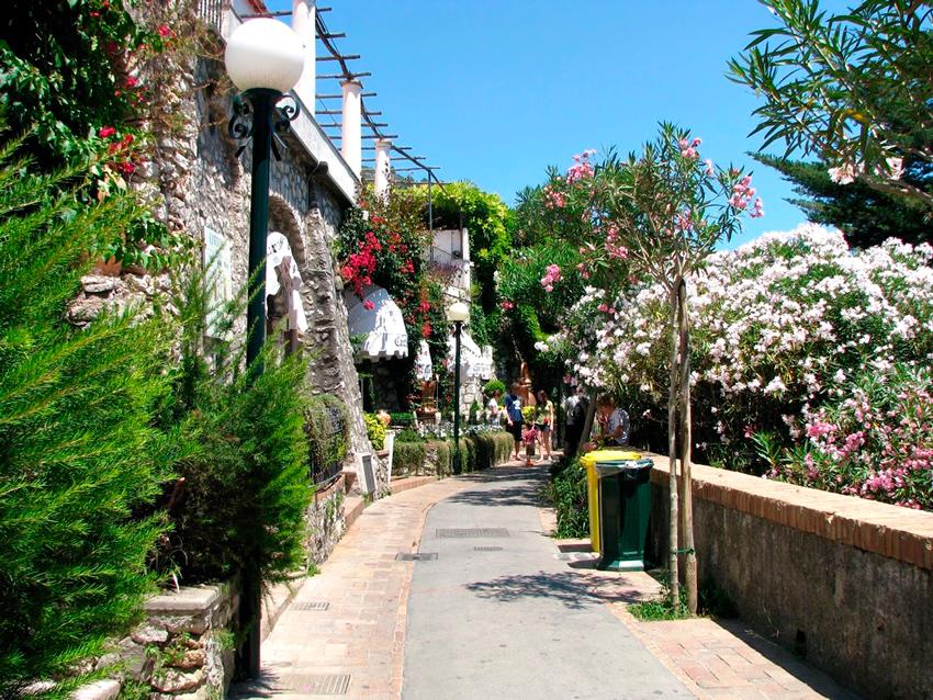 Via Camerelle  da Ilha de Capri na Italia