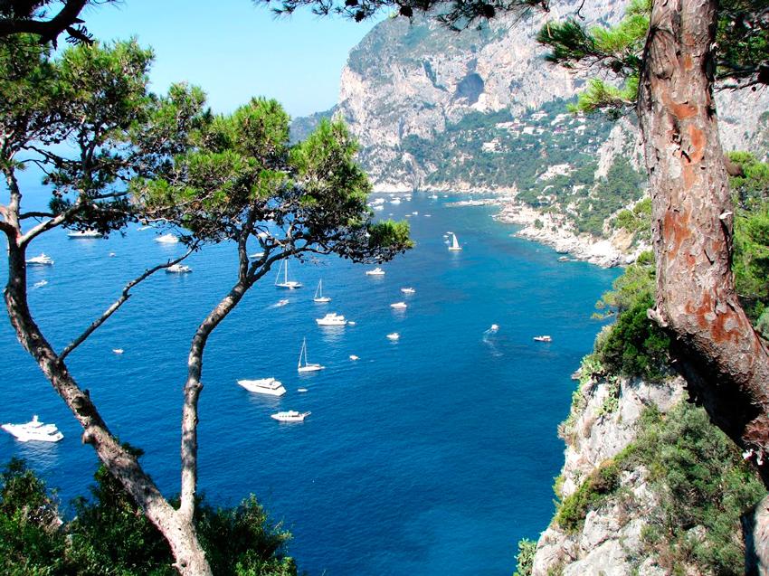 vista da Ilha de Capri na Italia