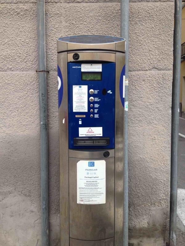 "Máquina na rua para comprar ""Zona Azul"": Parkar"
