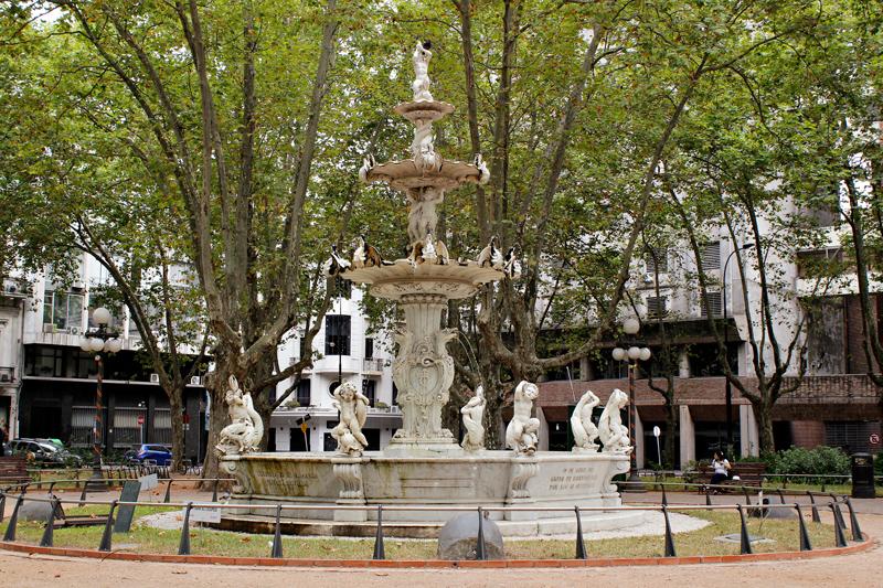Plaza Constituicion (Plaza Matriz) Montevideo