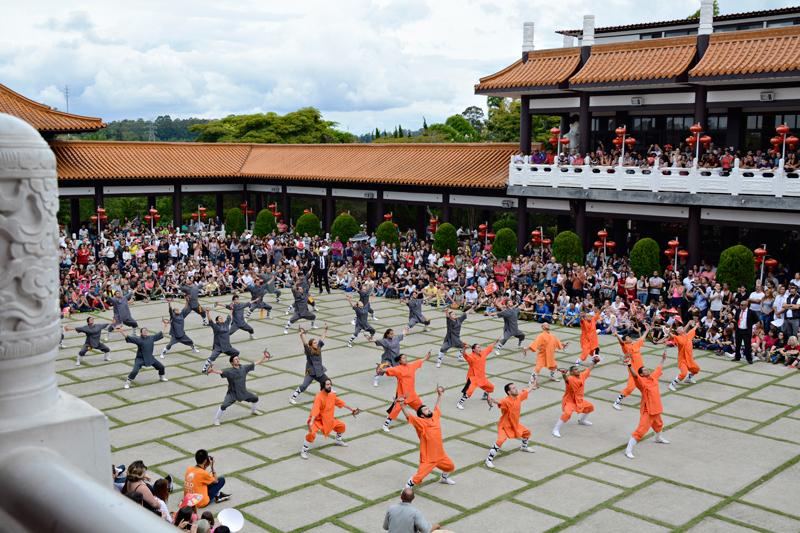 Kung Fu no Ano Novo Chinês no Templo Zu Lai em Cotia São Paulo