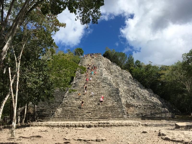 Pirâmide de Cobá no Mexico