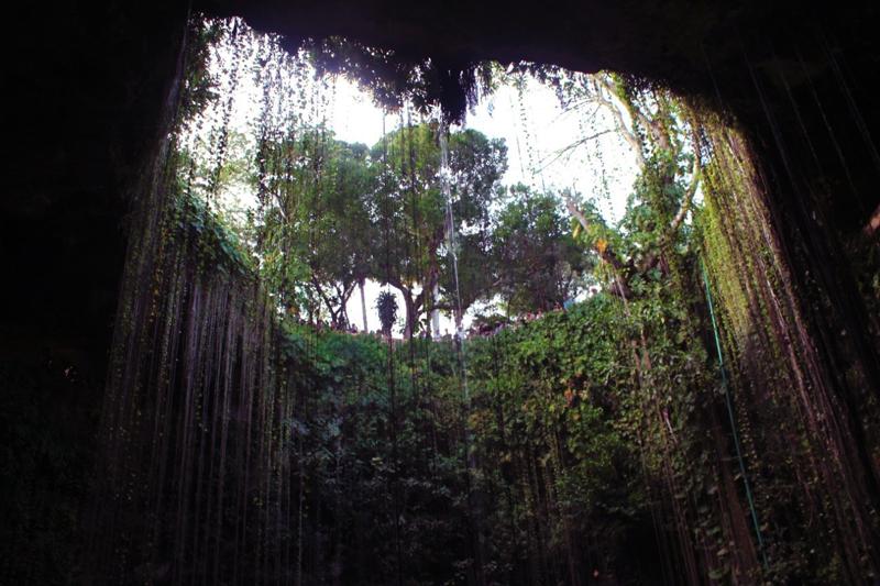 Cenote Ik-Kil em Yucatan no Mexico