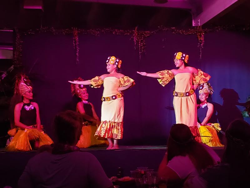 Apresentação no Toa Luau em O'ahu no Hawaii