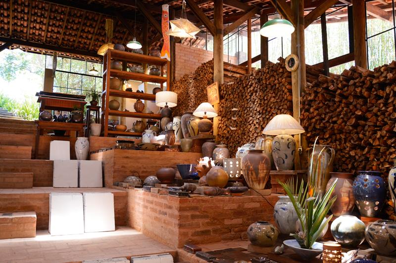 Cerâmicas da Suenaga e Jardineiro em Cunha