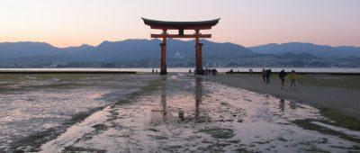 miyajima, portal no por-do-sol, Japão, Japan